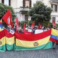 Bolivia, sit-in sotto l'ambasciata a Roma
