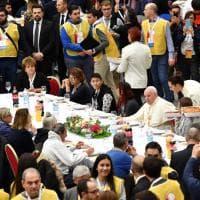 """Papa Francesco, per la Giornata dei Poveri il pranzo con """"1.500 amici"""". Senza carne di maiale nel menù"""
