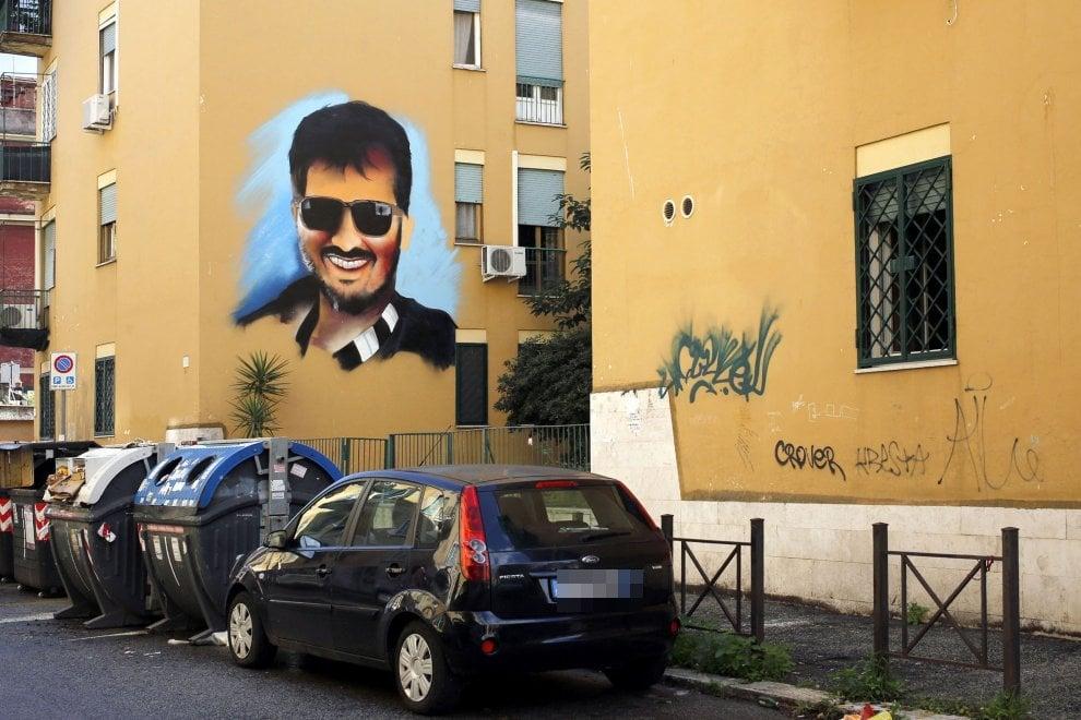 """Roma, a Torpignattara spunta un murale per Diabolik. Comune: """"Sarà cancellato"""""""