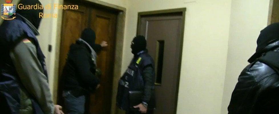 "Droga, ""Diabolik"" a capo dei narcos a Roma. 51 arresti. In nove mesi spacciata droga per 120 milioni"