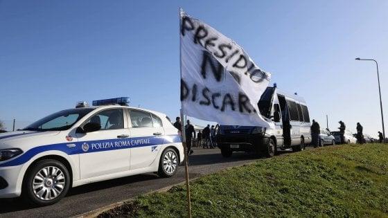 Rifiuti Roma, rivolta dei consiglieri 5S: sul totodiscarica il dissenso viaggia in chat