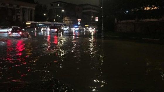 Nubifragio su Roma, chiuse le stazioni metro Repubblica e Manzoni