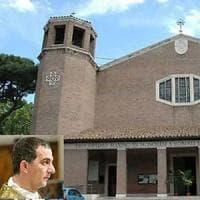 Roma, parroco abbandona chiesa ai Parioli, sconcerto tra i fedeli. In una