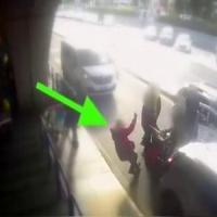 Fiumicino, passeggero chiede di usare il tassametro: tassista gli rompe