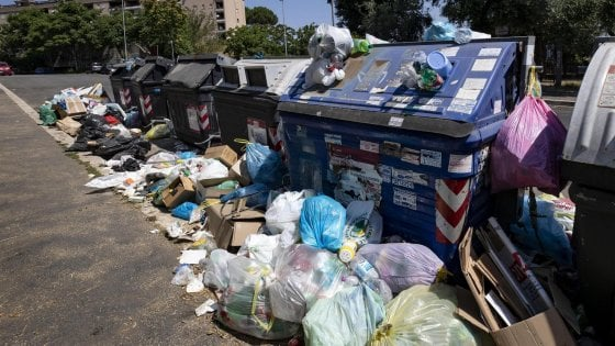 Rifiuti a Roma, Ama punta sull'inceneritore. In giunta un piano da 530 milioni