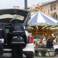 Befana, sequestrato il mercatino di piazza Navona a Roma