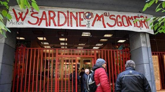 """Roma, Sardine in assemblea: """"In piazza e nelle periferie per battere il populismo. Obiettivo sopra il 25 per cento"""""""