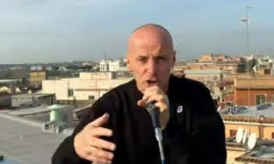 """Fuoco a Centocelle, il rap ribelle degli Assalti Frontali: """"La pecora si fa leone"""""""