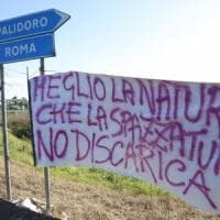 Roma, caos rifiuti: è già scontro sulla nuova discarica alle porte di Fiumicino