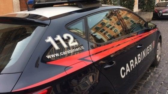Roma, manganellate al vicino per una lite condominiale: arrestato