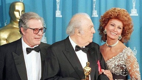La Roma di Fellini: una passeggiata dentro ai film da Fontana di Trevi all'Eur