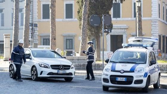 Smog a Roma, il blocco diesel non dà risultati: sforamenti  in 11 centraline su 13