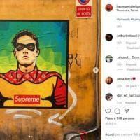 Roma, Zaniolo supereroe: nel murale a Trastevere diventa Robin