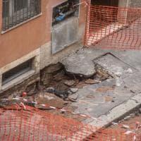 Celio, palazzo evacuato per cedimento: si indaga sulle cause