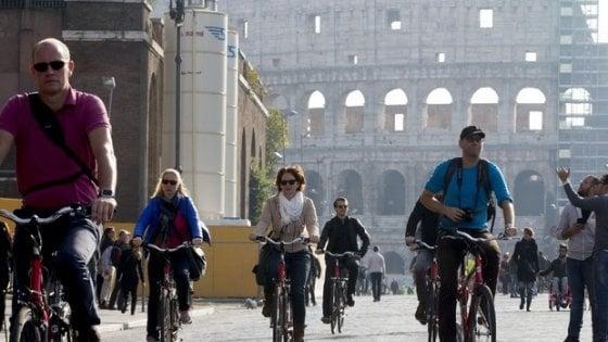 Blocchi del traffico, a Roma esentati anche i genitori separati (se devono vedere i figli)