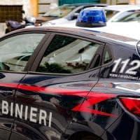 Roma, litiga col vicino per i rumori e lo accoltella: arrestato uomo di