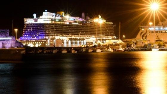 Coronavirus, nave da crociera ferma a Civitavecchia: negativi i test sui pazienti sospetti