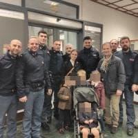 Roma, bambina francese si perde in via Nazionale: ritrovata dalla polizia