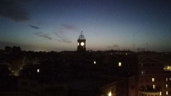 Roma, l'orologio dell'Albergo Rosso si riaccende il 18 febbraio per i 100 anni di Garbatella