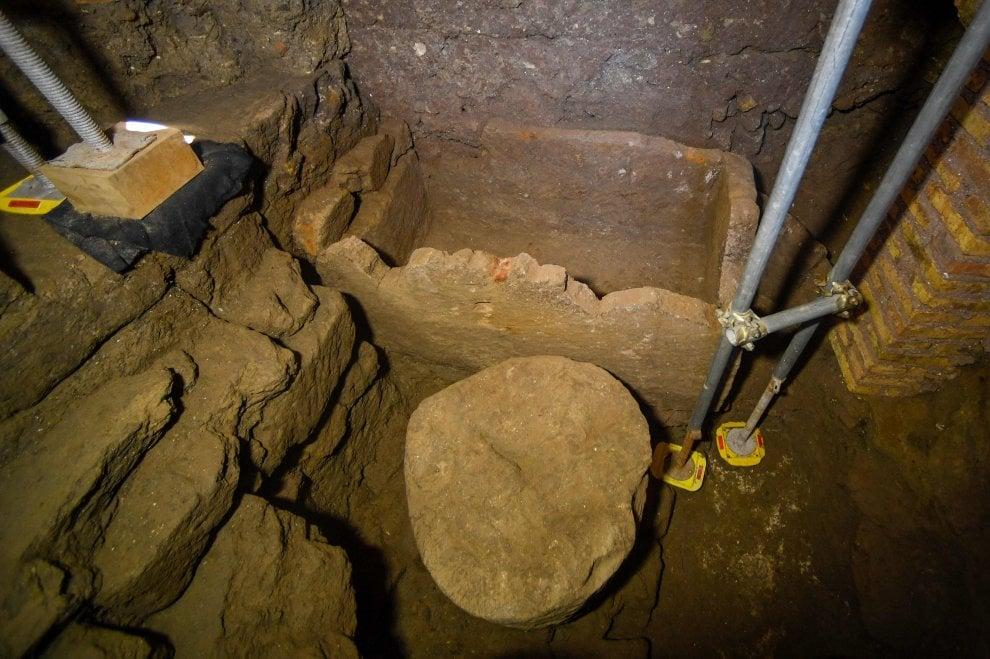 """Ipogeo scoperto al Foro Romano: """"Non è tomba di Romolo ma cenotafio per il suo culto"""""""