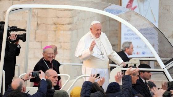 Roma, papa Francesco celebra le Ceneri all'Aventino e dà il via alla Quaresima