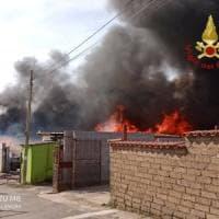 Roma, incendio nella discarica di Falcognana: nessun ferito
