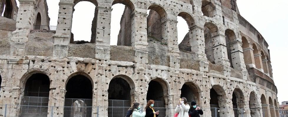Coronavirus, nuovi casi a Roma: contagiati due vigili del fuoco e poliziotto, un caso a Latina