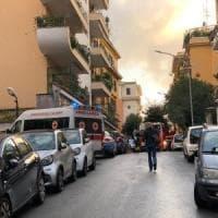 Roma, fiamme in un appartamento ai Parioli: salvate due donne. Una è intossicata