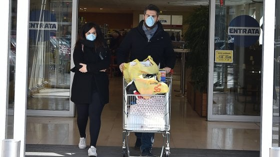 Coronavirus, per i supermarket nel Lazio chiusura anticipata alle 19 e domenica orario dimezzato