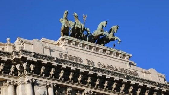 Roma, accusato di violenze sulla moglie: sospeso il pg della Cassazione Mario Fresa