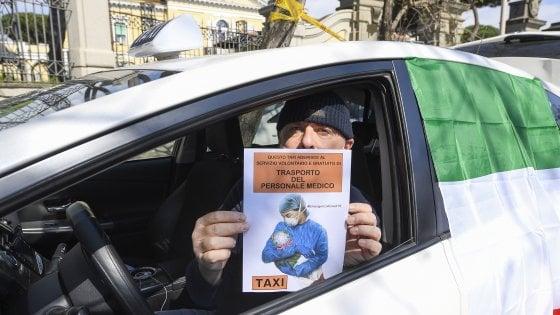 Coronavirus Roma, farmaci e spesa a casa gratis: arriva il taxi 'amico' per gli anziani