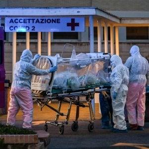 Coronavirus a Roma, giovane morto a 34 anni, virologi nel call center dove lavorava. Paura tra i colleghi