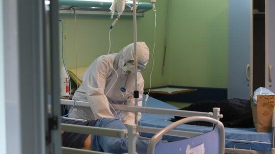 """Coronavirus, """"a Roma  84 medici contagiati e il numero salirà velocemente"""". Dalla Regione screening obbligatorio, """"ora più tamponi"""""""