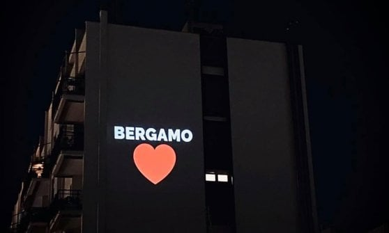 Roma, i Proiezionisti anonimi illuminano le notti di Colli Aniene