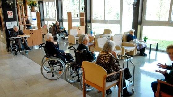 """Coronavirus Lazio, la Regione: """"Task force per controllare case di riposo"""". Fiuggi, 18 positivi in una residenza, Isolato istituto a Rieti"""
