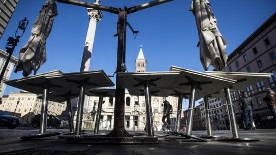 """Coronavirus Roma, Raggi: """"Ipotesi eliminazione della tassa occupazione suolo pubblico per il 2020"""""""