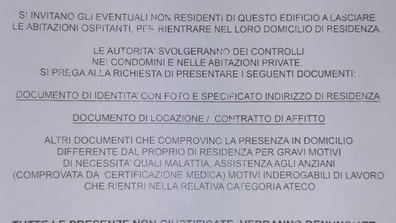 """Coronavirus Roma, """"Tornate nelle vostre case"""": ma il volantino del Ministero è finto"""