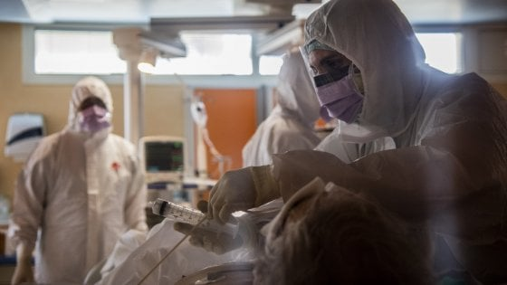 """Coronavirus Roma, sono 195 nuovi positivi: """"uno su 3 è in casa di riposo"""". Guarito uno dei sei bimbi infetti"""