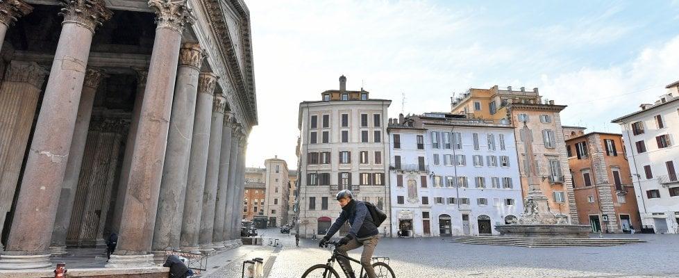 Coronavirus, supermercati, autofficine, edicole, farmacie, uffici postali e mercati rionali, cartolerie: ecco cosa è aperto a Roma