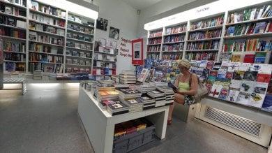Supermercati, officine, edicole, farmacie  e librerie:  ecco cosa è aperto a Roma