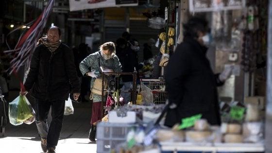 Coronavirus, cambiano i divieti: riapre il mercato dei fiori a Trionfale