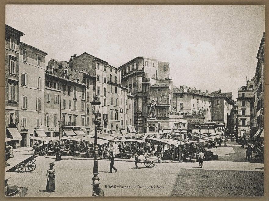 #iorestoacasa, Roma in bianco e nero: l'iniziativa del Mibact