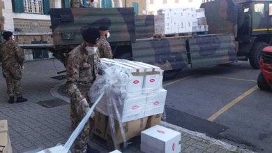 Esercito trasporta viveri a Ostia: municipio li distribuirà alle famiglie bisognose