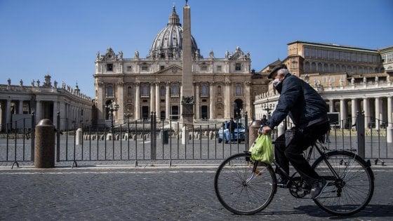 Coronavirus, a Roma Fase 2 su bici e monopattini. Bus, si viaggerà solo seduti