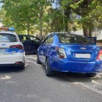 Roma, video dell'auto contro il muro: patente ritirata all'ex rapper diventato