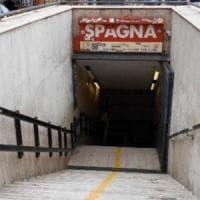 Incidente in stazione metro Spagna: uomo incastrato tra treno e muro