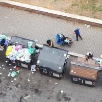 Roma, a Magliana tornano le montagne di rifiuti in strada