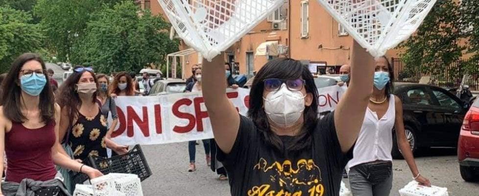 """Roma, Sos-povertà, sit-int al Mes delle reti sociali: """"Non c'è più tempo, serve un reddito per tutti"""""""