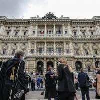 Roma, la protesta degli avvocati per la riapertura dei tribunali