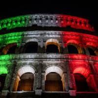 Roma, Colosseo tricolore: la riapertura dopo il lockdown